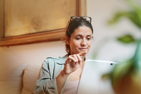 Lady with tablet