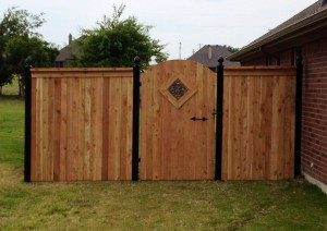 Custom Fence and Walk Gate in Ft. Worth, Texas