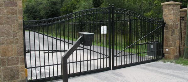 How Wide Should Your Driveway Gate Be Buzz Custom Fence